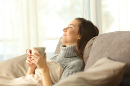 Billede af kvinde der slapper af