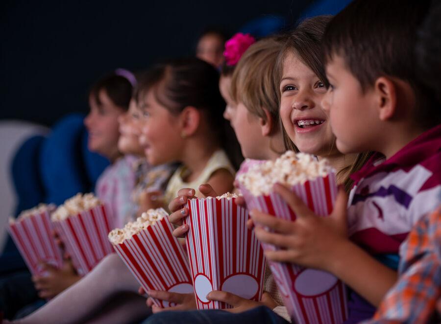Børn der ser film